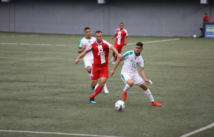Los Monjes le ganaron 2-0 al Costa del Este en el Maracaná