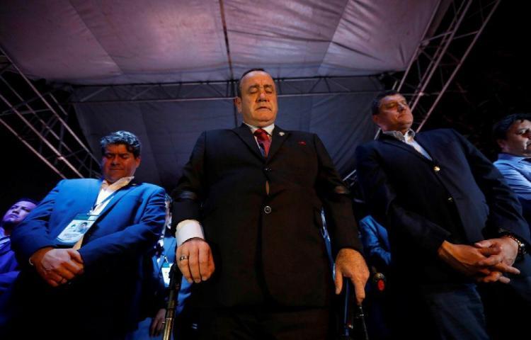 Giammattei descansa después de ser elegido presidente de Guatemala