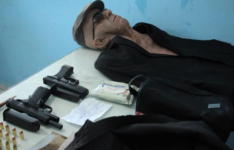 Exempleado de una agencia bancaria intenta robarla disfrazado de anciano
