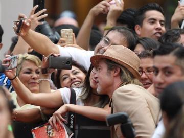 Brad Pitt levanta pasiones en México en la presentación de su nueva película
