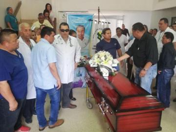 Claman justicia para enfermero asesinado en playa de Los Santos