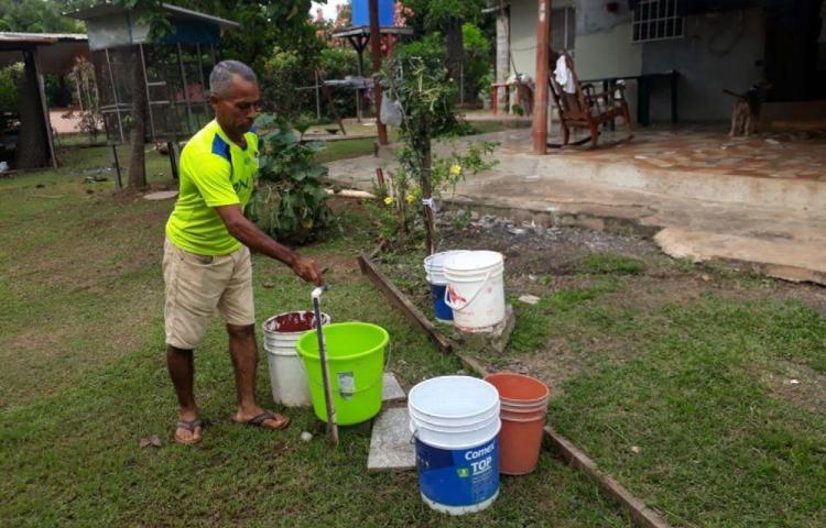 En Villa Carmen viven angustiados por la falta de agua