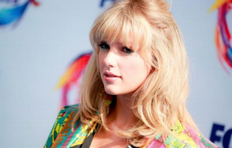 Taylor Swift regala a una fan $6 mil