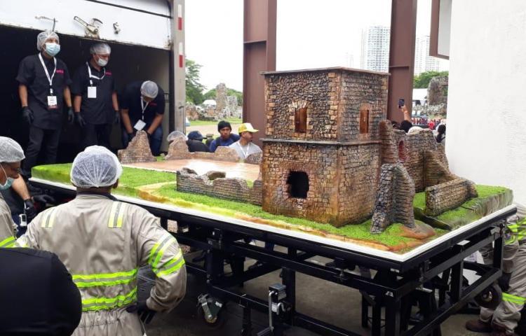 Pastel gigante de Panamá Viejo será devorado por 4 mil personas