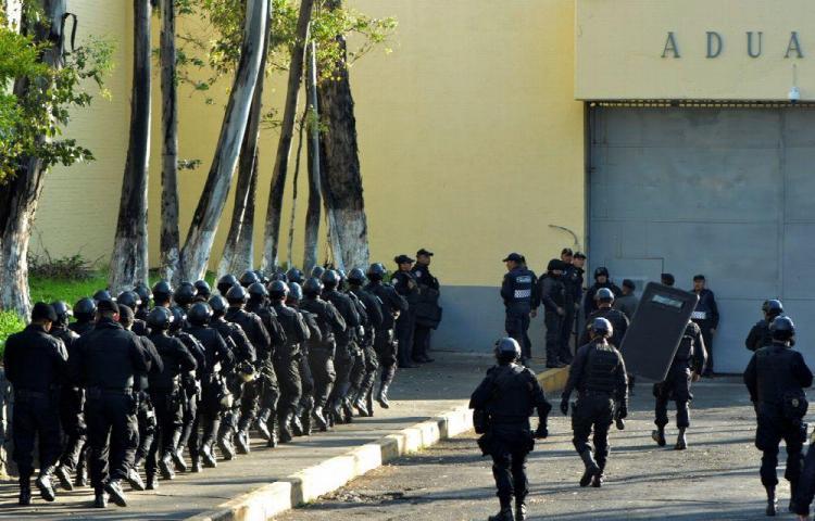 Tres muertos deja incendio en penal mexicano