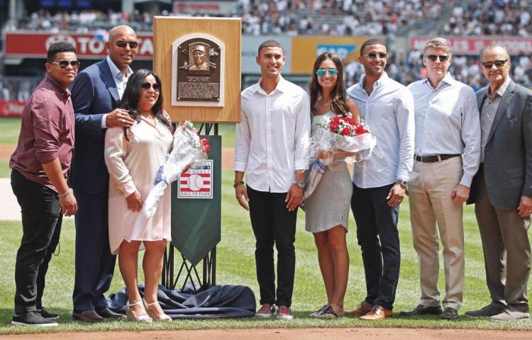 Mariano Rivera es homenajeado en el Yankee Stadium