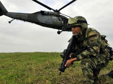 Un soldado muerto y dos heridos deja ataque al Ejército en el norte de Colombia
