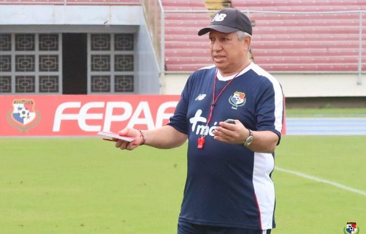 'Son muy rápidos, gambetean muy bien, pero no son muy agresivos' dice Gallego