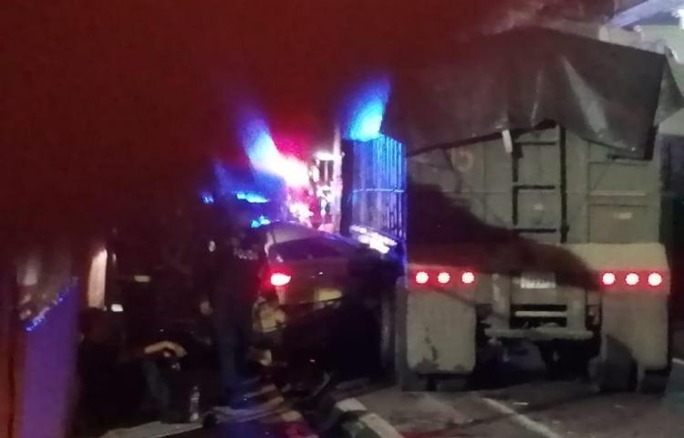 Camión articulado choca con más de 30 vehículos en El Chorrillo