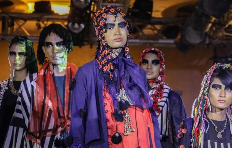 Las pasarelas de la India dedican un capítulo a la moda sostenible