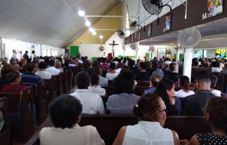 Realizan las honras fúnebres del hombre asesinado en las Acacias