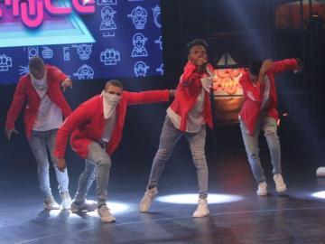Jóvenes tiran sus pasos en 'Flow Dance'