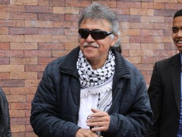 Circular roja contra exlíder de las FARC