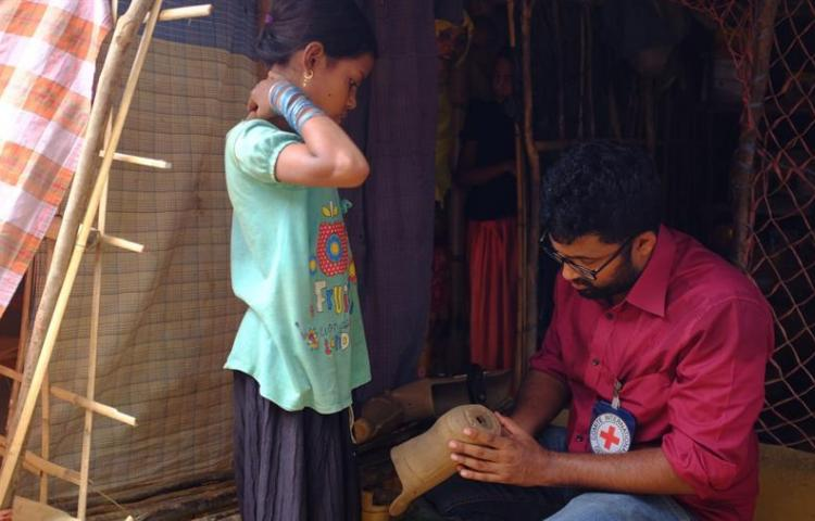Rohinyás con piernas nuevas, un impulso para rehacer sus vidas en Bangladesh