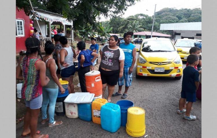 Se caldean los ánimos por la falta de agua