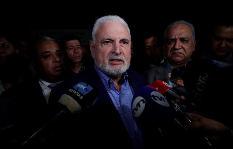 """Expresidente Martinelli dice denunciará a Porcell por presuntos """"pinchazos"""""""