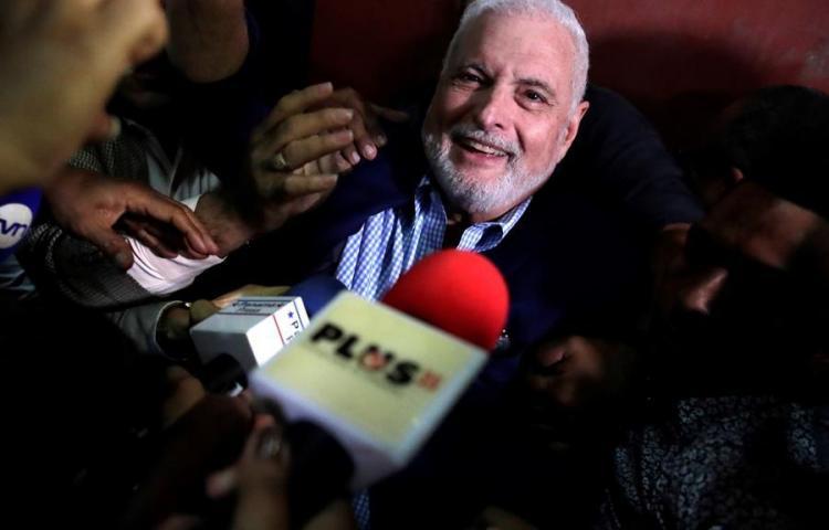 """Analizan denunciar a tribunal que absolvió a Martinelli por """"venta"""" de fallo"""