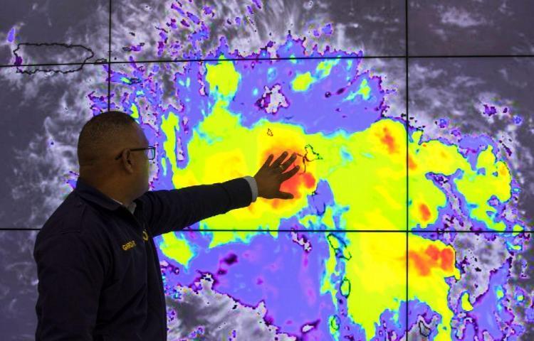 Dorian se fortalece y amenaza el sureste de EE.UU.