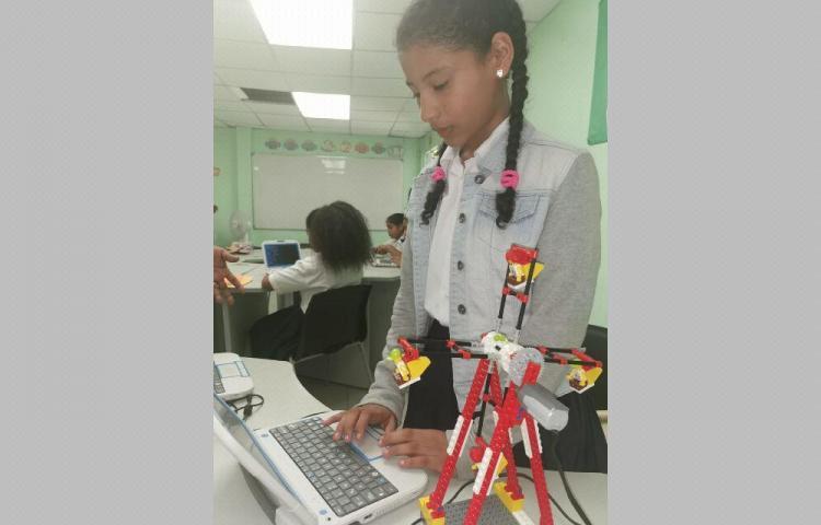 Ministra de Educación busca instituir 'hoja de ruta' en gira por Bocas