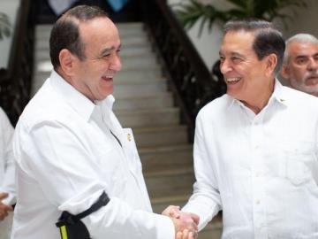 Mandatarios de Guatemala y Panamá se reúnen