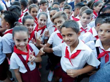Cuba abre curso escolar con casi 2 millones de alumnos y más maestros