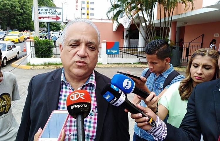 Camacho niega haber pagado a jueces para absolver a expresidente