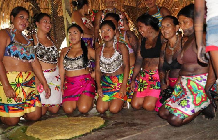 El 'patacón más grande' une a la comunidad indígena Ipetí Emberá