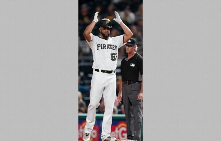 Darío Agrazal Jr pega su primer hit en Grandes Ligas
