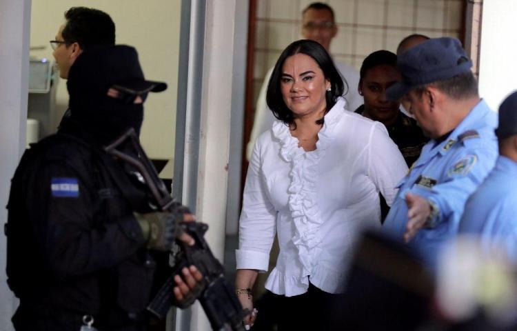 58 años de cárcel para ex primera dama de Honduras