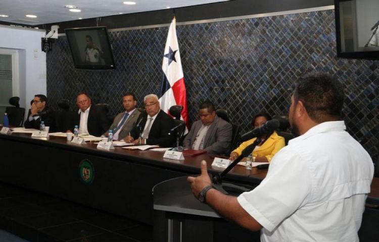 Comisión de transporte evalúa aumentar sanciones a transportistas