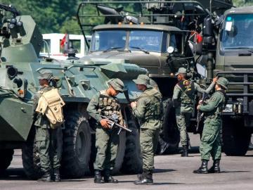 'Alerta máxima' por maniobras militares