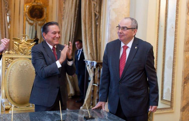 Exviceministro asumió como nuevo Fiscal General Electoral