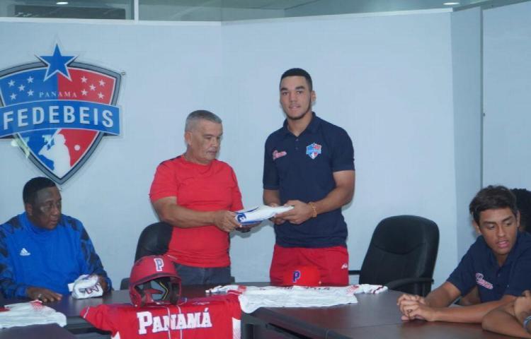 Leonardo Bernal listo para ser el capitán de la Sub.-15