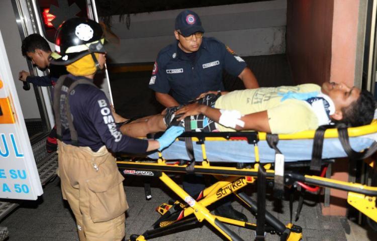 Triple colisión de autos dejó seis heridos