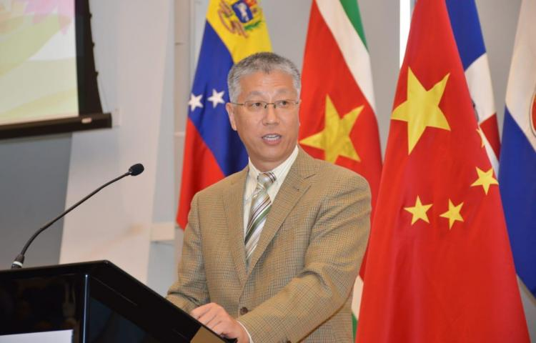 """Embajador chino denuncia """"presiones"""" sobre Panamá para enfriar sus relaciones"""