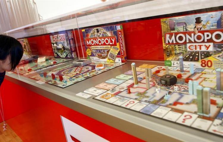 Monopoly presenta una versión femenina donde invertir en inventos de mujeres