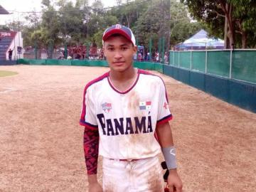 Panamá gana por partida doble
