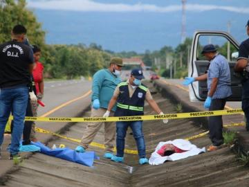 La muerte madrugó a indígena en la carretera