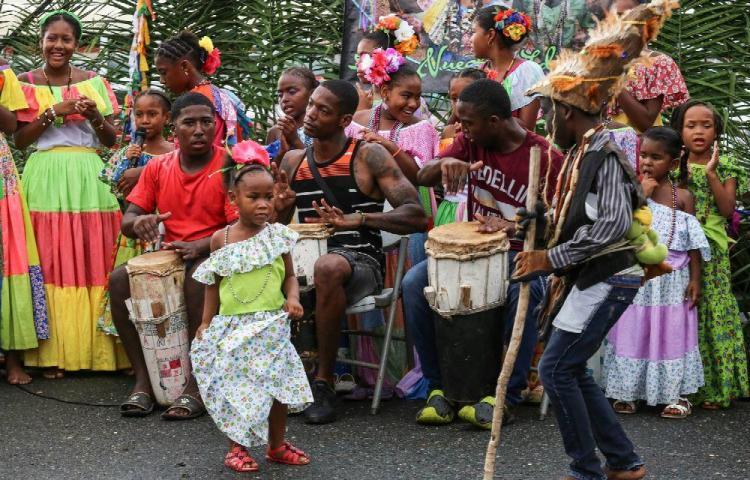 El tambor congo puso a vibrar a María Chiquita