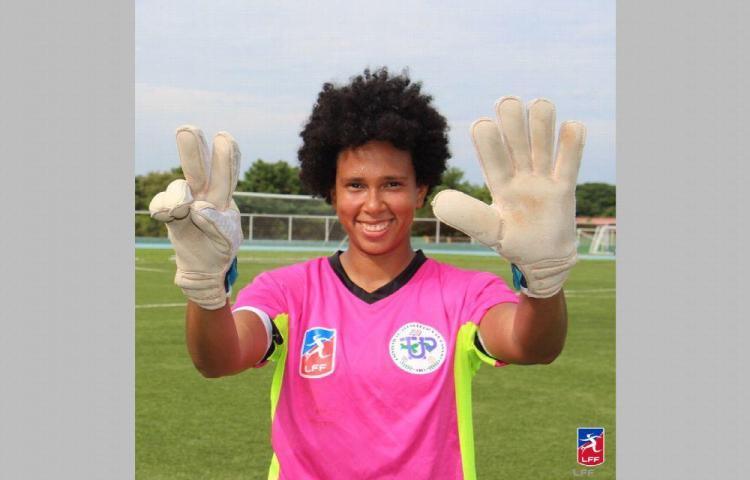 Por el título del fútbol femenino en Ecuador