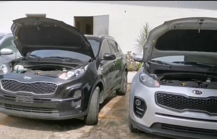 Desmantelan red dedicada al robo y hurto de autos