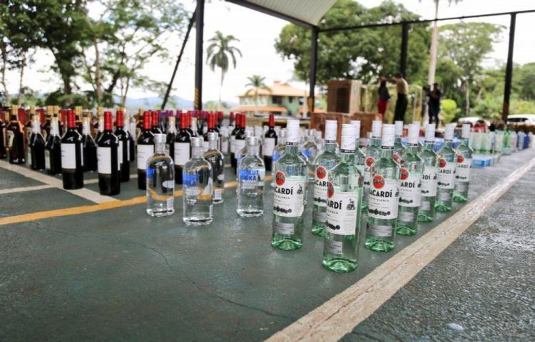 Decomisan en Darién 60 cajas de licor de presunto contrabando
