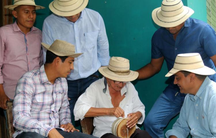 Sombrero pintao panameño, un arte de elevado valor por su confección