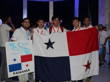 Panamá gana medallas y mención de honor en olimpiadas de matemática en México