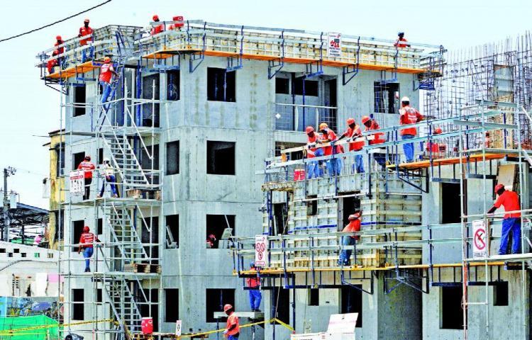 La construcción, labor que requiere más mano de obra