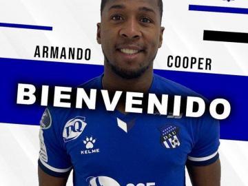 Panameño Armando Cooper vuelve al Árabe Unido de Colón
