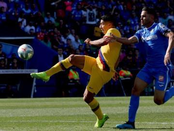 Luis Suárez le dio un respiro al Barcelona