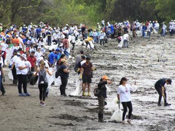 Que cada uno se haga responsable de sus desechos, claman activistas de Panamá