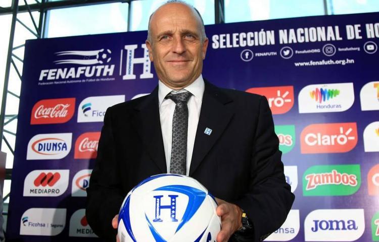 Coito llama 24 jugadores para partidos de Honduras