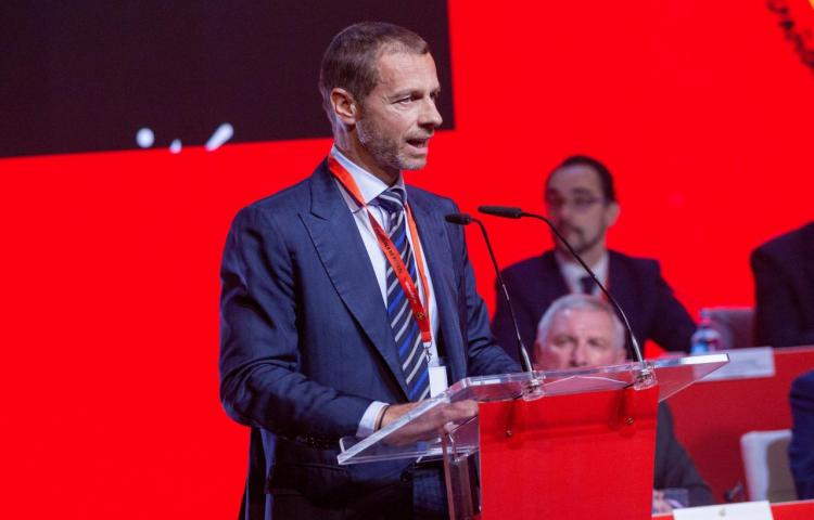 La UEFA marca pautas ante las conmociones cerebrales
